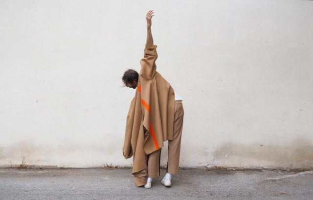Carlos Fernández Coat Camel - LR3