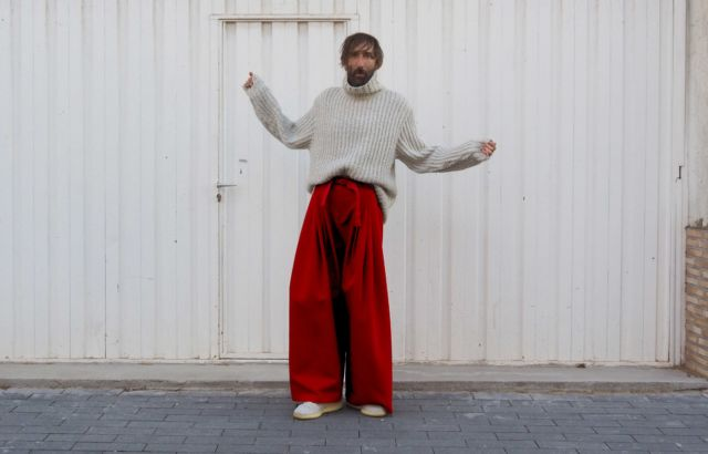 Carlos Fernández Trousers Deep Red - LR3