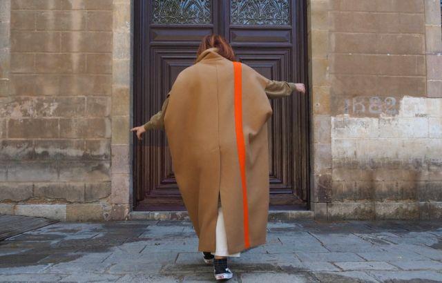 Makoke Sleeveless Coat Camel - LR3