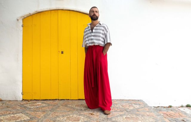 Pedro Campello trousers deep red - LR3