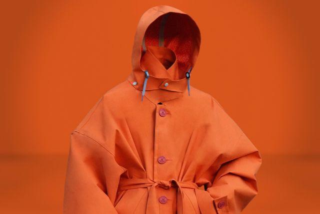 Pilar Justicia Raincoat Orange - LR3