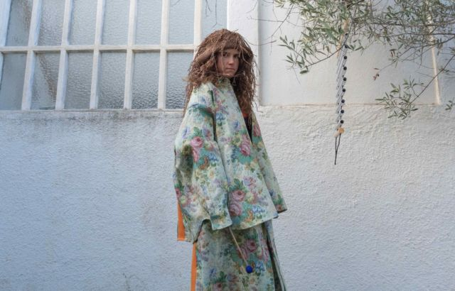 Rosa Tharrats Shirt Tapestry - LR3